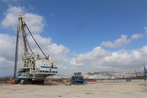 terminal porto napoli porto di napoli terminal containers trevi