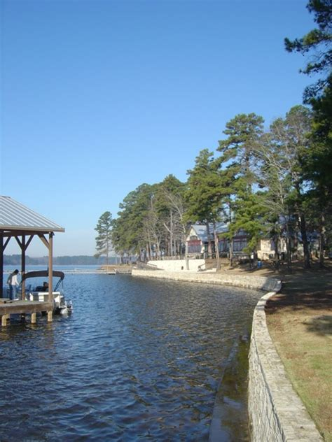 HGTV Dream Home 2005 on Lake Tyler Texas: description