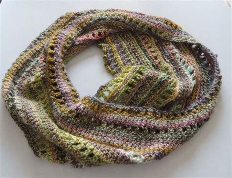 crochet infinity scarf tutorial beginner easy crochet patterns for beginners to get started with