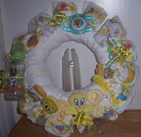 Tweety Bird Baby Shower by Baby Shower Looney Tunes Wreath Taz Tweety Bugs