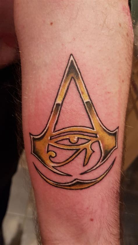 assassins creed tattoos best 25 assassins creed ideas on