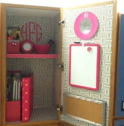 locker decor i the wallpaper withy the pink but i
