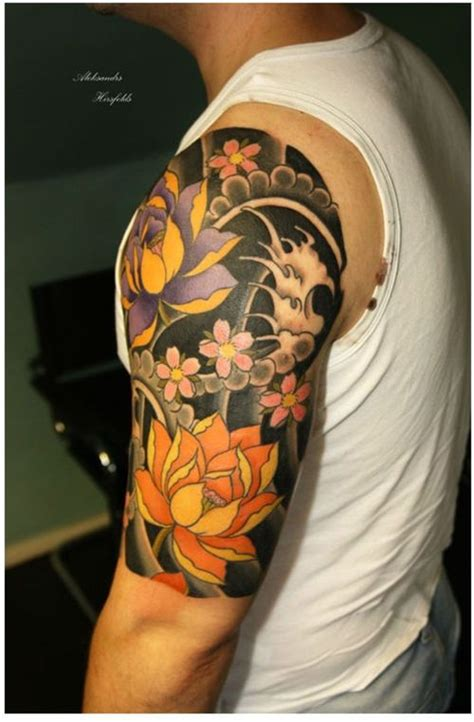 japanese short sleeve tattoos decorated walls