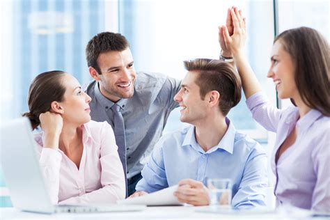 5 proven ways to show you are a team player tips