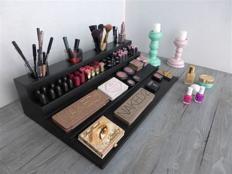 makeup organizer magnetic display station in many