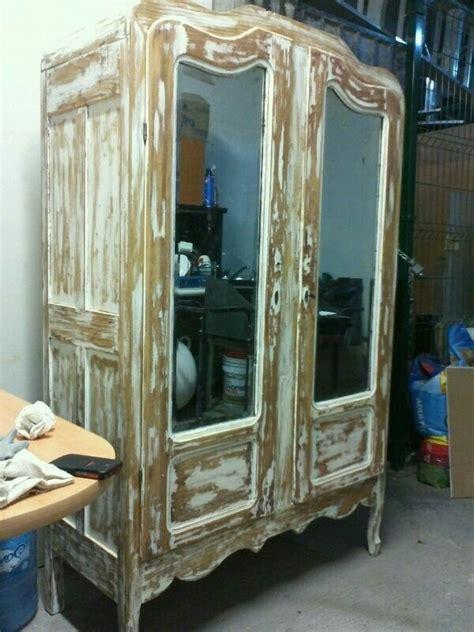 ropero antiguo en decapado color blanco  espejos biselados en muebles bonitos acabado de