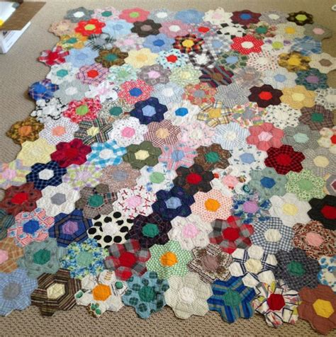 Grandmothers Flower Garden 24 Best Grandmother S Flower Garden Quilts Images On Hexagons Grandmothers And