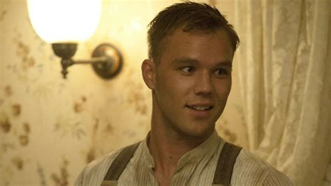 lincoln lewis lincoln lewis dishes on tv toyboy in underbelly razor