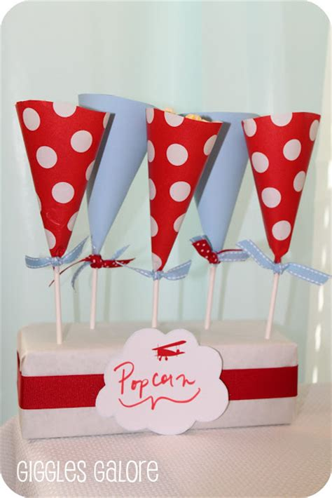 How To Make Paper Cones For Popcorn - treat cone display tutorial from giggles galore dimple