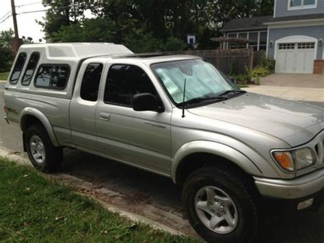 sell used 2002 toyota tacoma extended cab limited 4wd manual 3 4l v6 original owner in silver