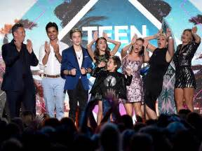 House Tv Show Fuller House Takes Home Choice Comedy Tv Show At