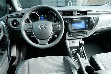 auris interior new look toyota avensis and auris engines tech and