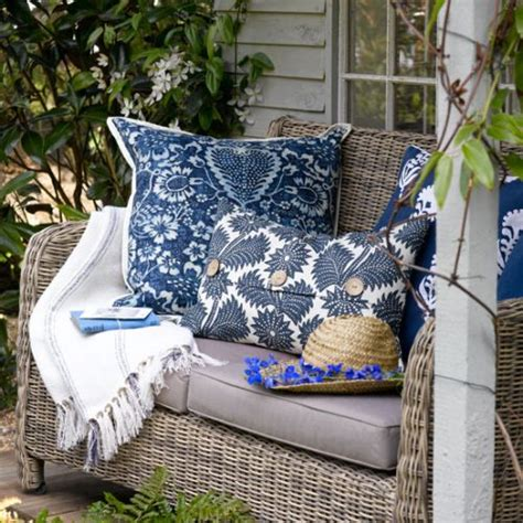 Cleaning Bird Patio by The Best Way To Clean Your Outdoor Patio Cushions Simplemost