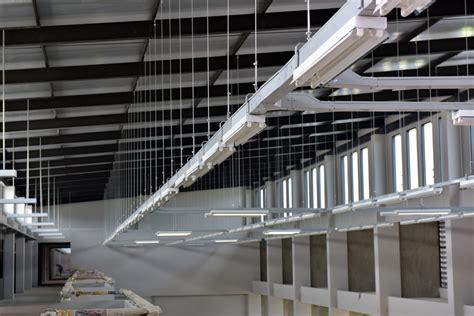 iluminacion industrial 7 consejos de iluminaci 243 n para una nave industrial atisa