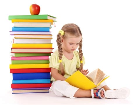 picture of a child reading a book tips to rear a bookworm child parenting tips and advice