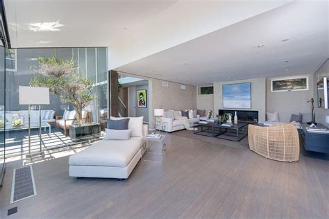 pictures of rooms in a house modern malibu beach house rooms with a view