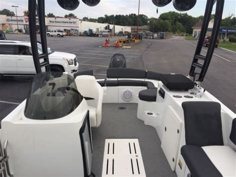 deck boat wake tower 2014 caravelle razor etoon 237uu wake tower large deck