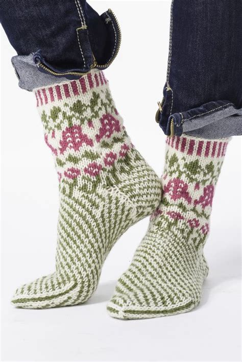 knit shark socks 211 best images about sukat on free pattern