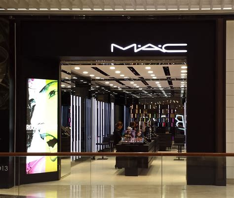 Make Up Shop how to shop at mac pretty grub