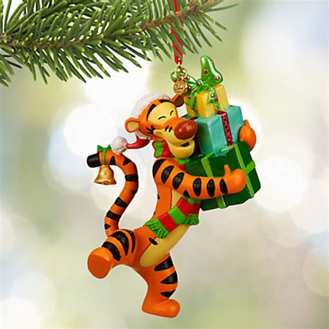 disney store 2015 sketchbook tigger with presents