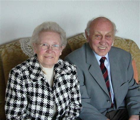 Hochzeit 65 Jahre Verheiratet by 65 Jahre Gl 252 Cklich Verheiratet