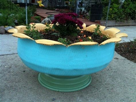 How To Make Tire Planters by How To Make An Attractive Planter From An Tire Diy