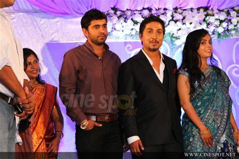 actor vineeth sreenivasan wedding photos vineeth sreenivasan wedding reception photos 43