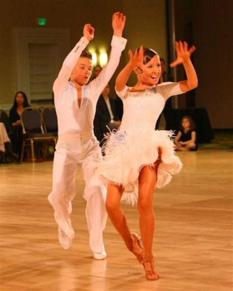 definition of swing dance jive dance characteristics history steps and more
