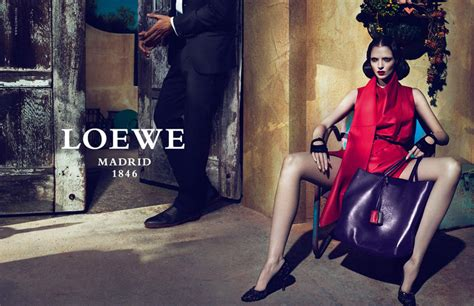 handbags a story legendary designs from azzedine alaã a to yves laurent books loewe summer 2011