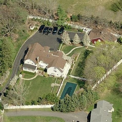 clinton home bill clinton s house in chappaqua ny google maps