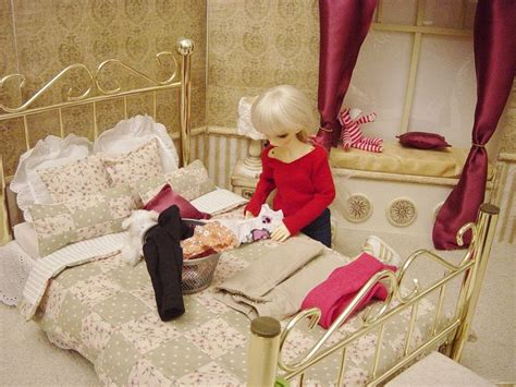 american girl samantha bed 17 best images about doll accessories on pinterest american girl doll bed miniature and boyds