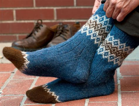 best way to knit socks 8 free sock knitting patterns to interweave