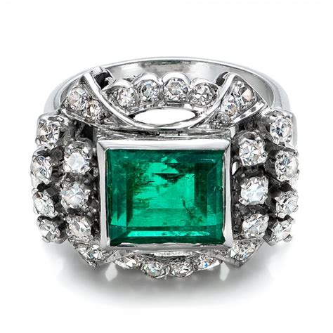 emerald and white gold ring 100737