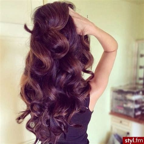 pictures of hair styles that make a big nose look smaller pin big bouncy curls on pinterest