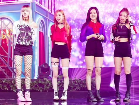 blackpink live blackpink wows fans with amazingly hot debut stage