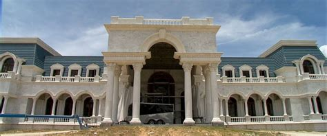 Of Versailles House by Of Versailles Says They Ll Finish 90 000