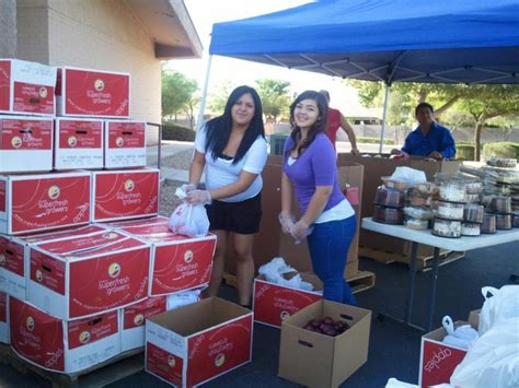 Peoria Food Pantries by Mobile Pantry Distribution Peoriatimes Features