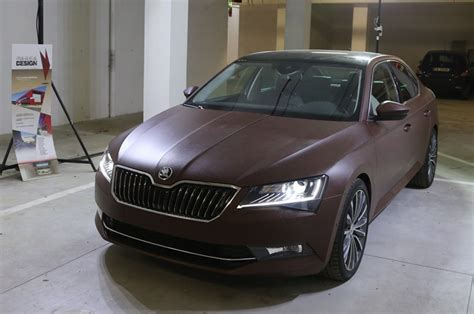 Gucci Folie Auto by Skoda Superb Wrapped In Leather By Italian Students Looks