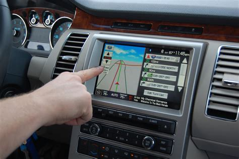 Auto Bildschirm by Touch Screen Use To Be Limited In Cars In The United States