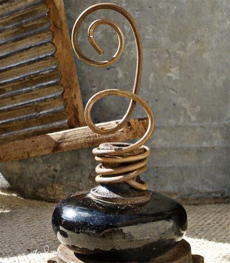 Door Knob Holder by 9 Uncommon Ways To Decorate With Vintage Doorknobs