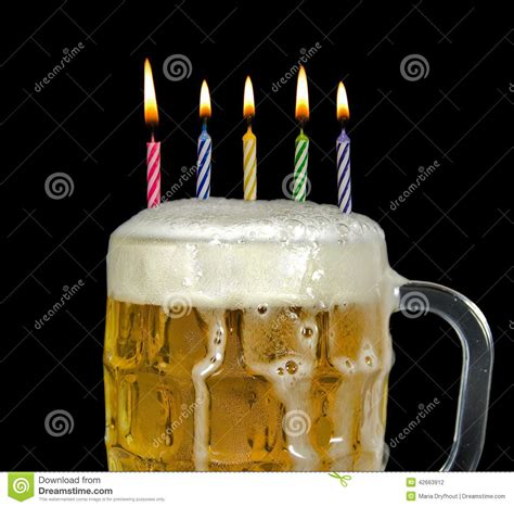 imagenes de feliz cumpleaños con cerveza bougies d anniversaire en bi 232 re photo stock image 42663912