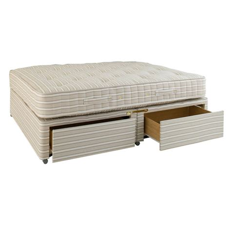 Divan Bed Drawers by Divan Bed With Drawers Oka