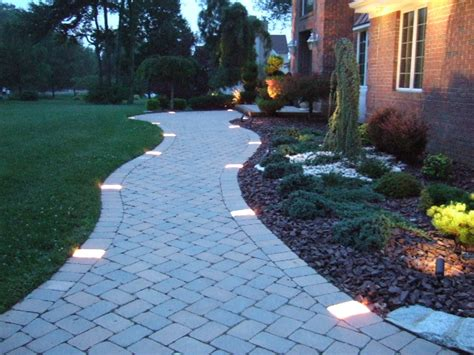 Walkway Lighting Fixtures Design Guide For Your Home S Outdoor Lighting