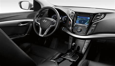 Hyundai i40   first image revealed of VF wagon's interior