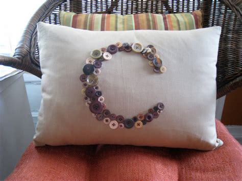 How To Make A Pillow With Button p8 buttons fabrics button wednesday pillows iii