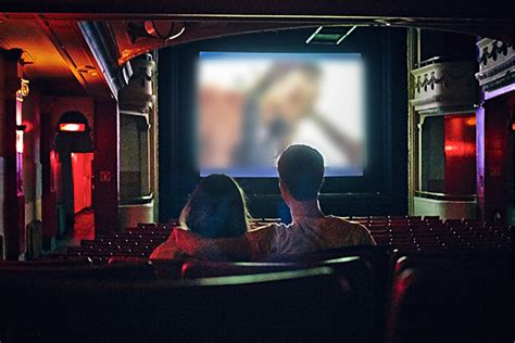 s day theaters i took my tinder date to a theatre for s