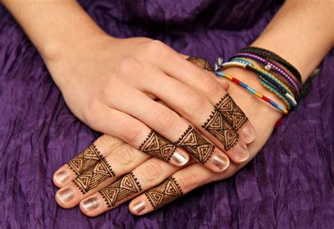 25 beautiful mehndi designs for fingers our best collection
