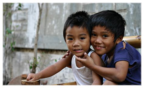 Filipino Person | the smile of filipino people the snap guide