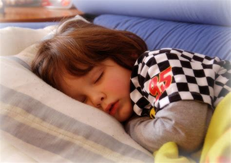 putting kids to bed putting kids to bed early improves mom s health simplemost