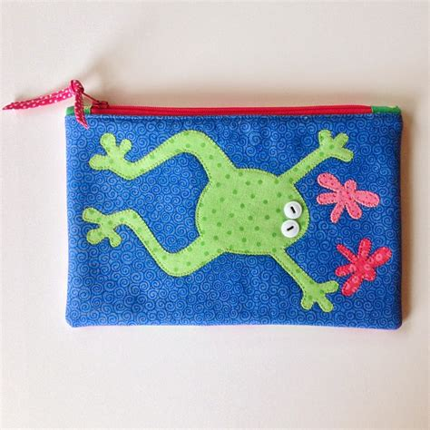 Nayaga Pouch M Dompet Pouch froggy zippered pouch